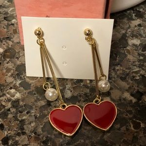 Gold Tone Earrings with pearl and heart